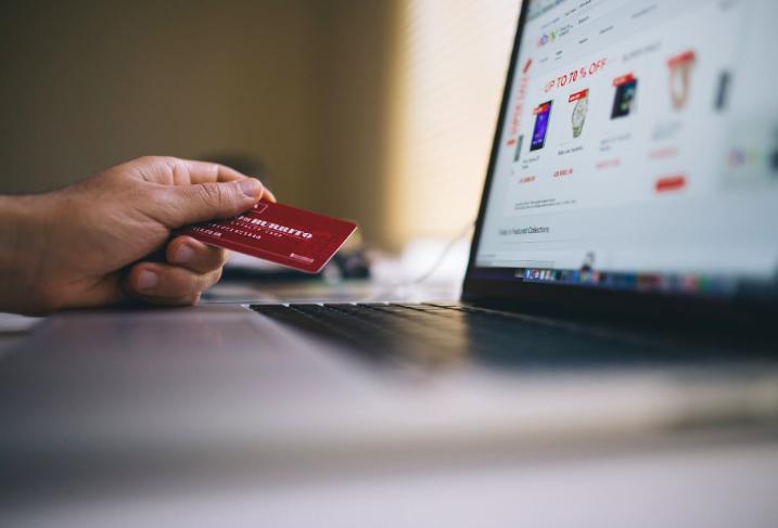 Despachos de compras online del retail subieron 73% durante la primera semana de diciembre