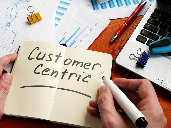 Enfoque al cliente en logística: beneficios, ejemplo y herramientas