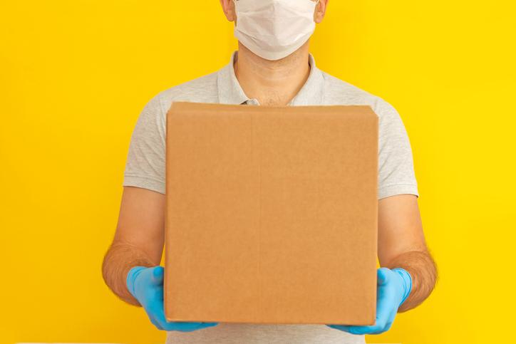 Entregas seguras de correos express y de otros envíos a domicilio: ¿cómo realizarlas?