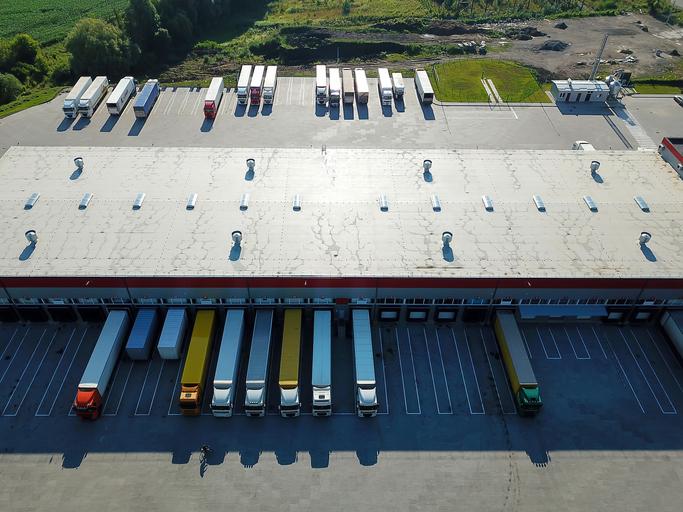 Estrategias logísticas de transporte exitosas - [caso empresarial Amazon]