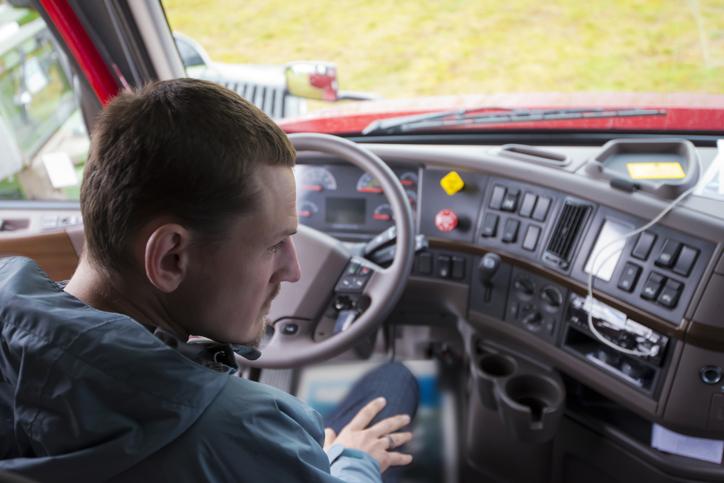 Monitoreo GPS: ¿cómo controlar a los transportistas 24/7?