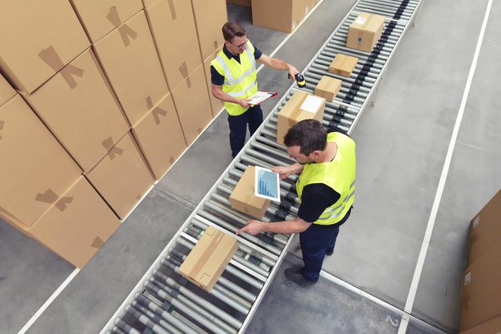 Operaciones logísticas en e-commerce: gestión de pedidos y entregas de última milla