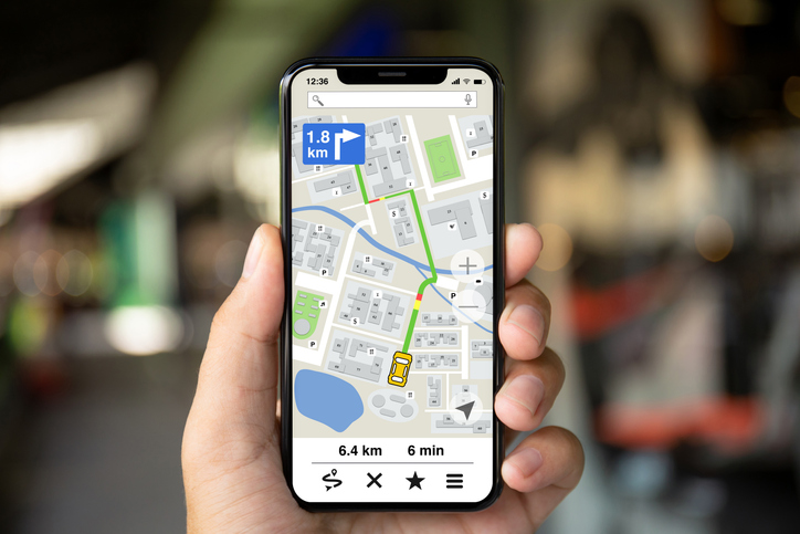Sistema de rastreo satelital por celular para vehículos logísticos