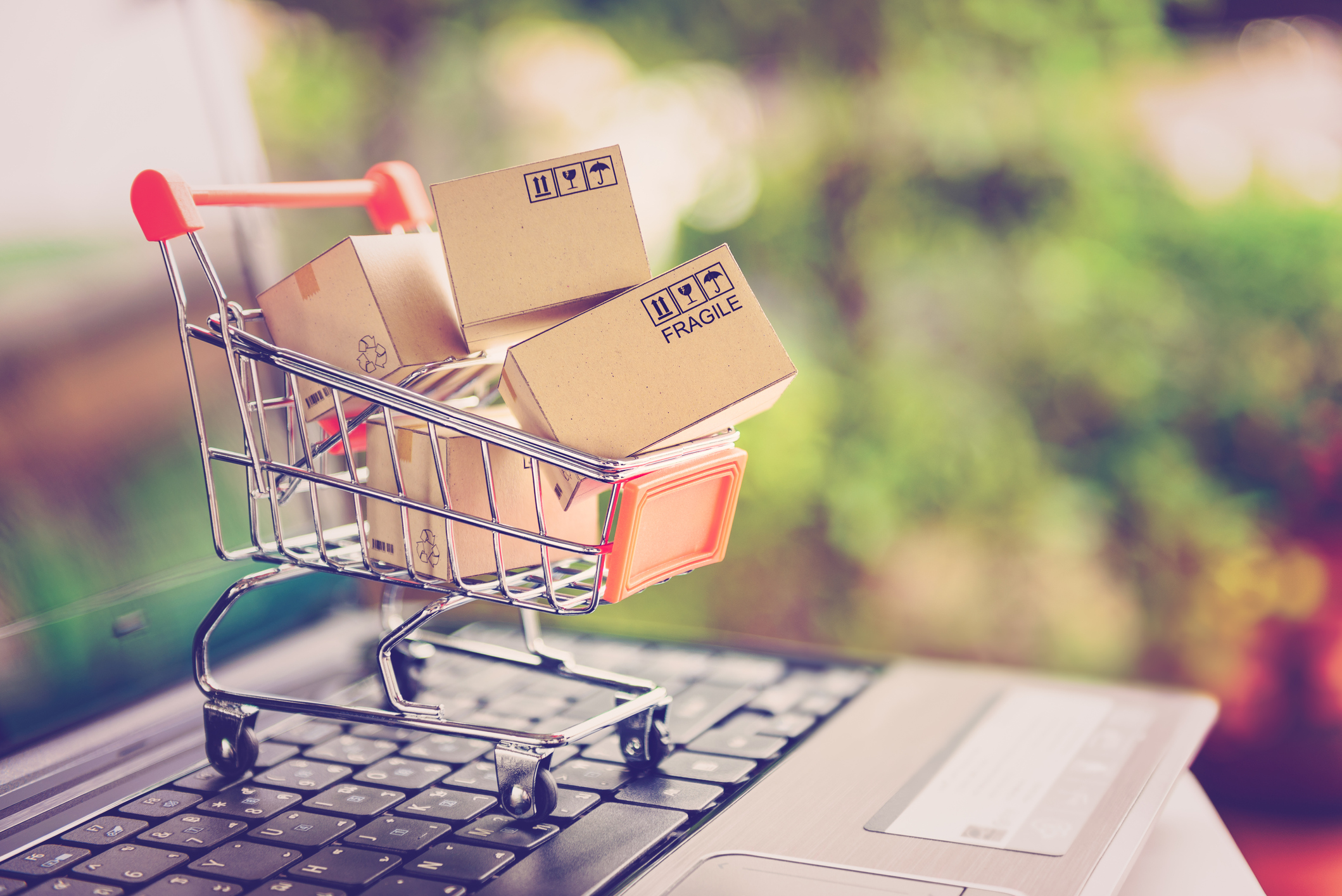 Evolución del comercio electrónico: fases y futuro